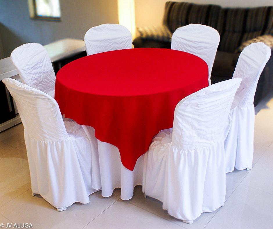 Detalhes do produto Aluguel de toalha redonda branca com cobre mancha vermelha