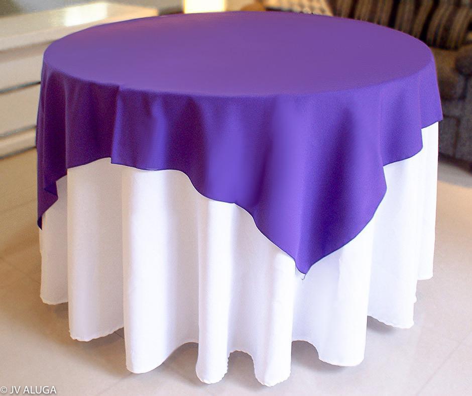 Detalhes do produto Aluguel de toalha redonda branca com cobre mancha roxa