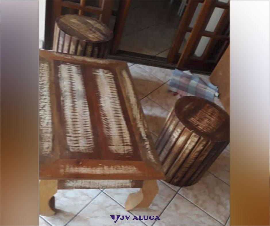 Detalhes do produto Aluguel banco de madeira de demolição